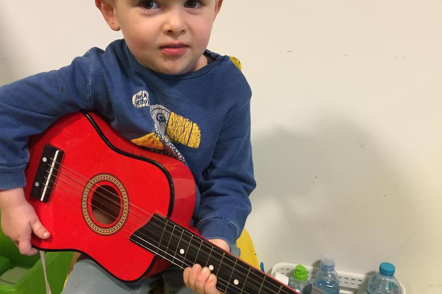 Hoera voor jarige Arno! Muziek!